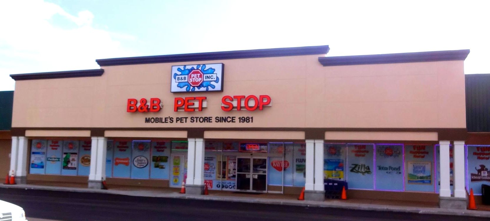 B&B Pet Stop Facade